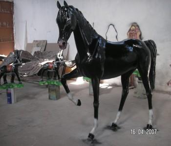 Kır At Heykeli