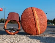 Büyük Ekmek Maketi