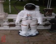 Küçük Astronot Heykeli