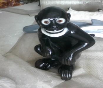 Maymun Heykeli