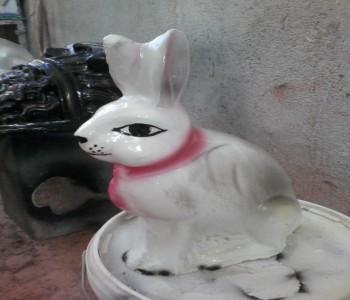 Beton Tavşan Heykeli