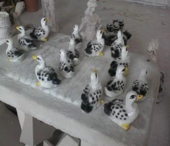 Küçük Yavru Ördek Heykelleri