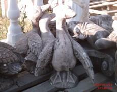 Kanatları Açık Ördek Heykeli