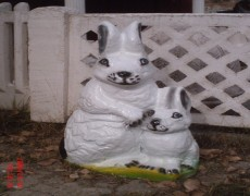 Tavşan Ailesi Heykeli