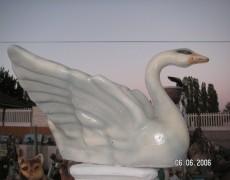 Uçan Ördek Heykeli