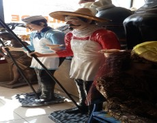 İspanyol Aşçı Heykeli