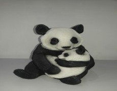 Yavrulu Panda Heykeli