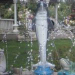 Yunus Balığı Heykelleri